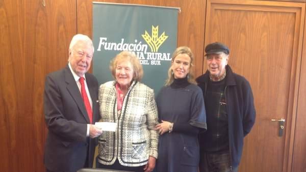 La Fundación Caja Rural del Sur entrega sus fondos a Aspacehu.
