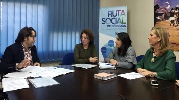 Representantes del PP con la Coordinadora de Escuelas Infantiles de Andalucía