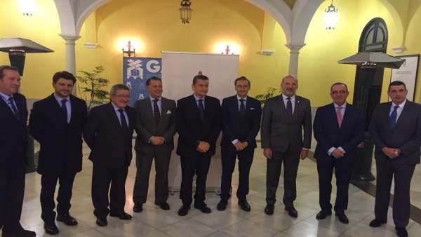 El delegado del Gobierno en Andalucía, Antonio Sanz, en el Foro Rocío de Sevilla