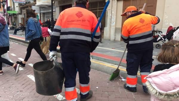 Retirades més de 43 tones de fem de la via pública en les primeres 96 hores de la Magdalena