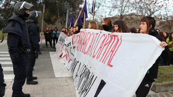 Manifestación en la UAB Bellaterra.