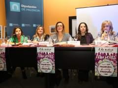 Un panel de mujeres, por el 8 de marzo