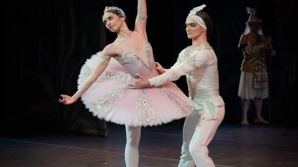 Allash y Andrei Merkuriev, bailaran el clásico de Romeo y Julieta en El Batel