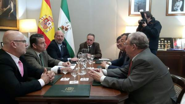 Reunión entre Estado, Aemet y hermandades sobre el servicio meteorológico
