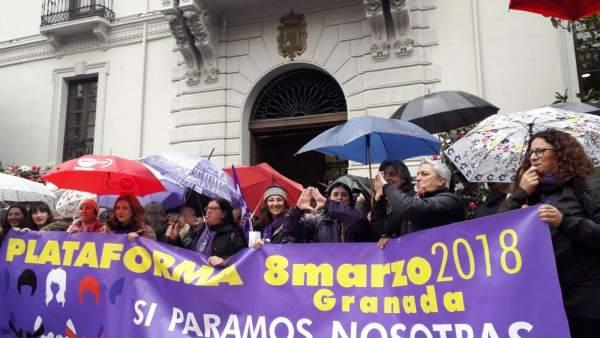 Concentración en la plaza del Carmen