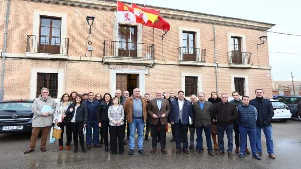 Reunión de alcaldes con la Diputación en La Seca (Valladolid)