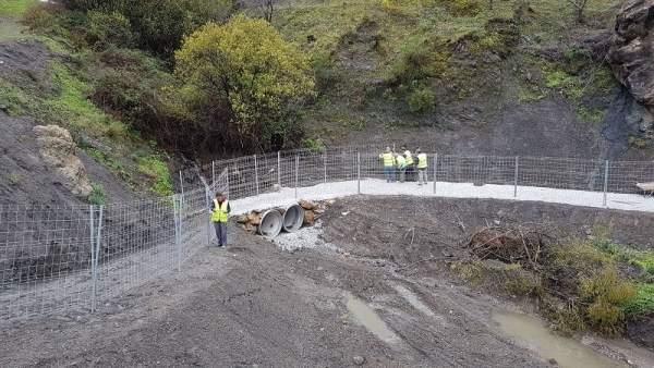 Carretera de Salarez y Archez cortada por haberse hundido en las últimas lluvias
