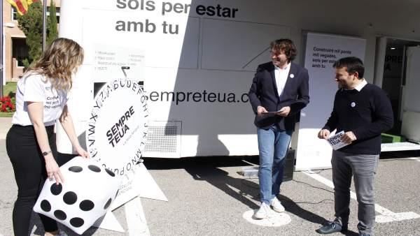 """El 'Bus de la llengua' recorrerà més de cent localitats per a promocionar el valencià i """"construir ponts"""""""