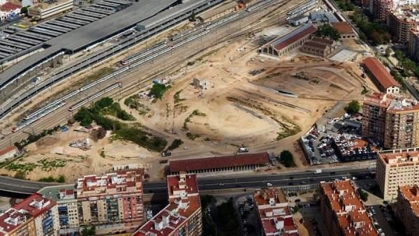 Obras de Parque Central de València en la parte que linda con Russafa