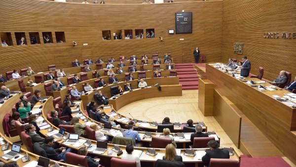 Imagen de archivo del pleno de las Corts