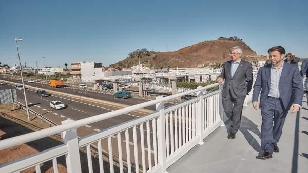 Carlos Alonso y Álvaro Dávila visitan la pasarela de Los Naranjeros