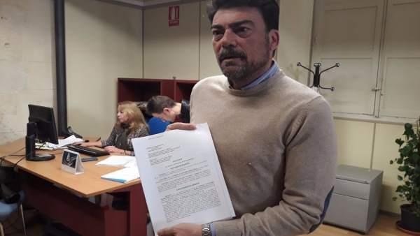 """El PP demana a Echávarri que dimitisca o que Ximo Puig i Pedro Sánchez """"prenguen cartes en l'assumpte"""""""