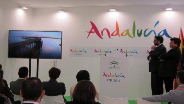 Acto sobre Huelva y el Algarve en Berlín sobre una promoción de la Junta