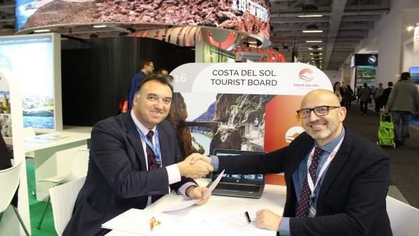 Arturo Bernal acuerdo con MTS Globe directivos de turoperadores internacionales