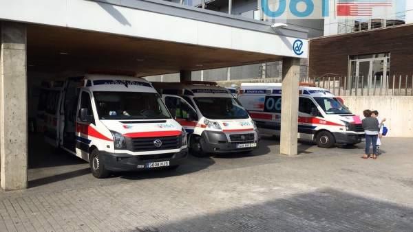Ambulancias del 061 en Valdecilla
