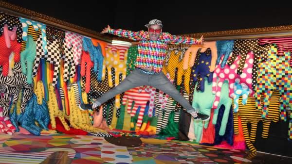 Okuda fa esclatar de color el Centre del Carme amb un centenar d'obres inspirades en cultura clàssica