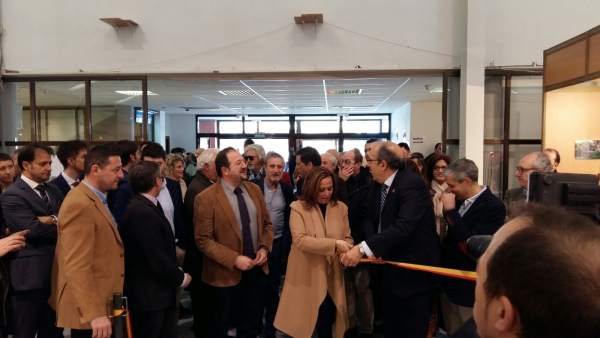 Mayte Pérez inaugura la XVII edición de la Feria de Caza y Pesca de Calamocha.