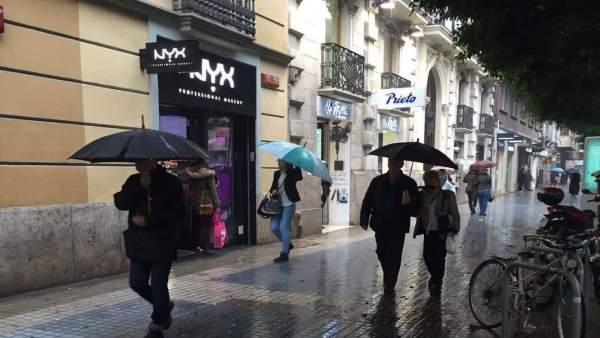 Lluvia en la Calle Colón de València