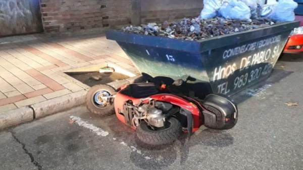 Valladolid.- Moto dañada por el detenido