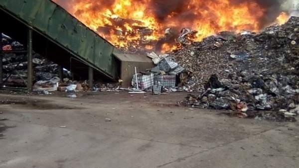 Incendio en el Parque Tecnológico de Reciclado.