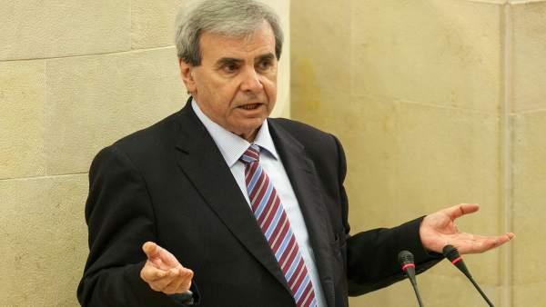 Rafael de la Sierra defiende la Ley de Transparencia en el Pleno del Parlamento