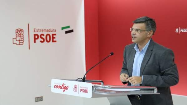 El portavoz del PSOE de Extremadura, Juan Antonio González