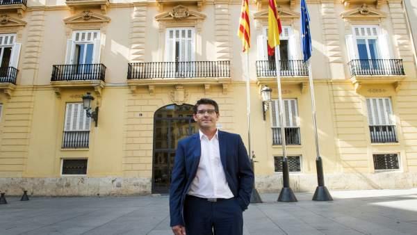 Rodríguez assenyala que les contractacions en Divalterra compten amb l'informe favorable del secretari
