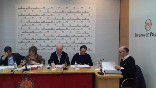 Ruiz Medrano (Dcha) comparece en la Comisión de Meseta Ski. 12-3-18