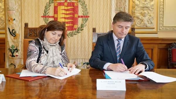 Firma del convenio entre el Ayuntamiento de Valladolid y Fundación Clece