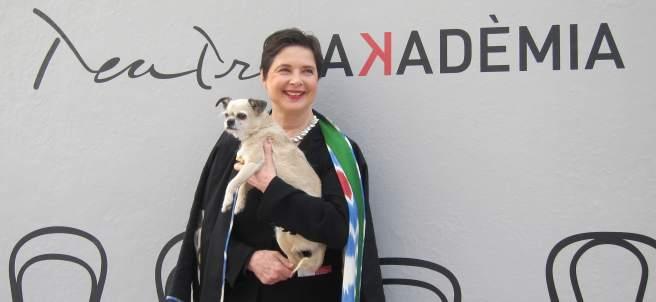La actriz Isabella Rossellini con su perro.