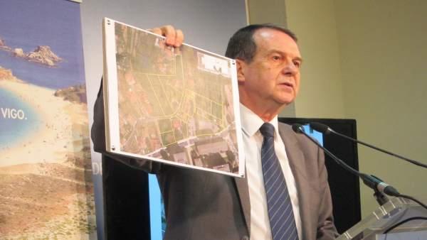 Caballero ofrece terrenos municipales para la biblioteca del Estado