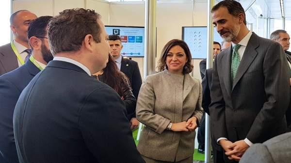 Isabel Ambrosio con el Rey Felipe VI en la 'Andalucía Digital Week'