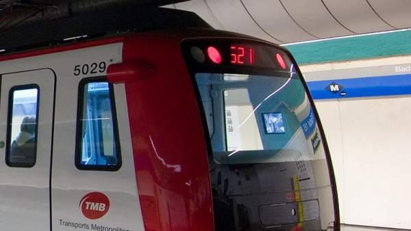 Tren de la serie 5000 del metro de Barcelona, de los que TMB ha adquirido seis a CAF.