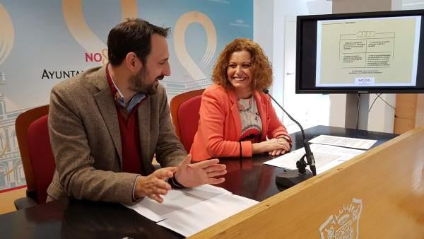 La delegada Adela Castaño (PSOE) en rueda de prensa