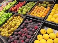 El 49% de los alimentos frescos desperdiciados en los supermercados se tiran, según estudio