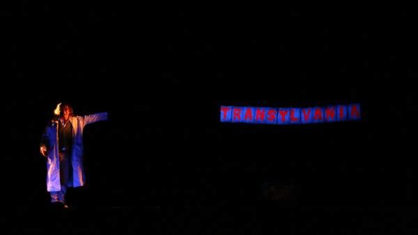 Ayuntamiento De Tomares. Nota De Prensa Y Foto: El Teatro Negro De Praga Llenó D