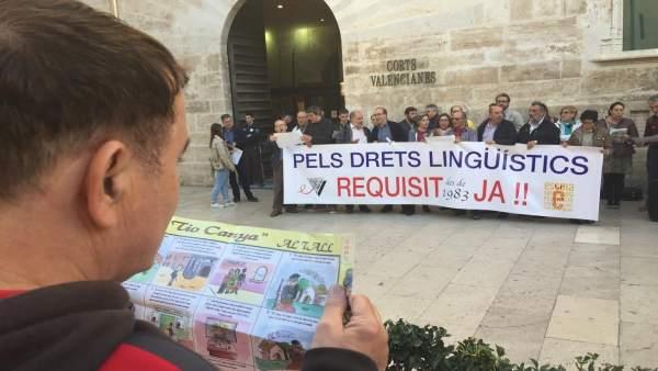 Escola demana al Consell que incloga el requisit lingüístic per a funcionaris abans que acabe 2018
