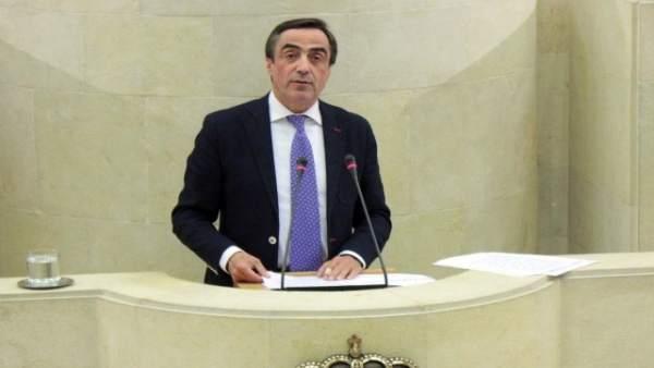 Ildefonso Calderón en el Parlamento