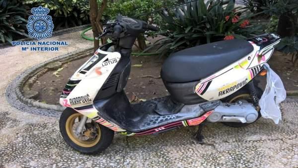 Moto en la que intentón huir uno de los detenidos del intento de robo de Jerez