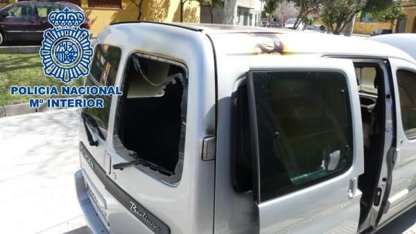 Np: Detenido En Algeciras El Presunto Autor Del Incendio De Una Furgoneta