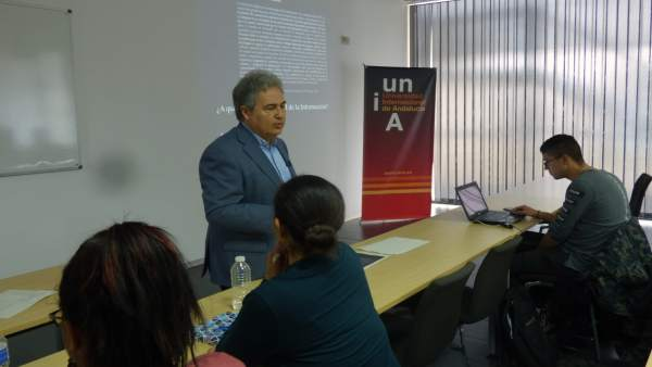 El catedrático en Periodismo en la Universidad de Málaga, Juan Antonio García.