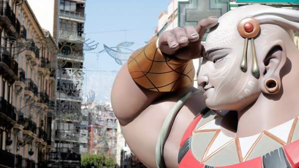 València tanca a partir del divendres el centre al trànsit privat per les Falles