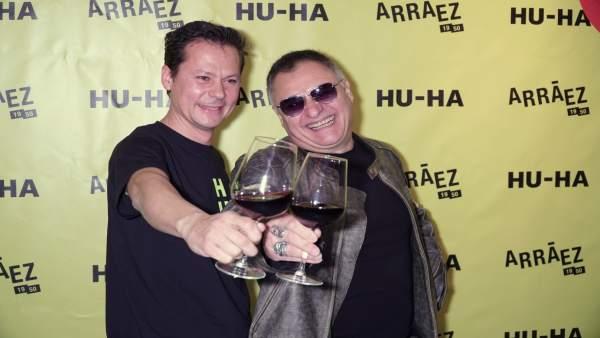 Toni Arráez y Chimo Bayo en la presentación del nuevo vino