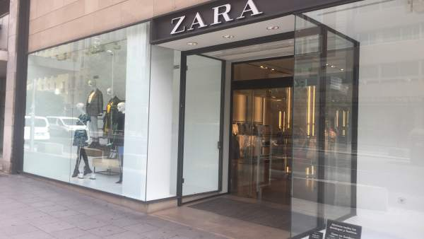 Zara, Inditex, ropa, moda, escaparate, tienda