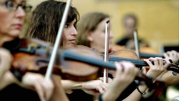 Músicos de una orquesta