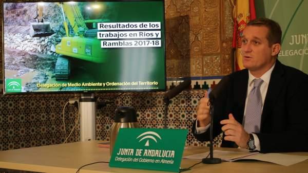 [L Comunicacion.Almeria.Dgob] Nota. La Junta Invierte 2.870.000 Euros En Sus Últ