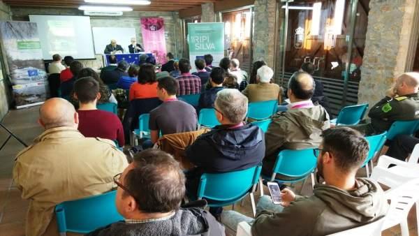 Nota, Fotos Y Audio: Cumbre Contra Las Especies Invasoras En Los Ríos