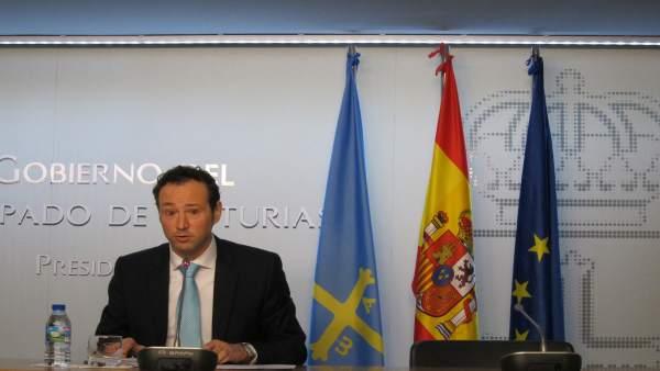 El consejero de Presidencia, Guillermo Martínez, tras el Consejo de Gobierno