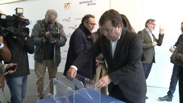 Vara visita las obras del primer parque eólico de Extremadura