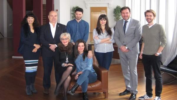 El elenco de 'El Fueneral' con Concha Velasco, Puente y Ana Redondo. 14-3-18